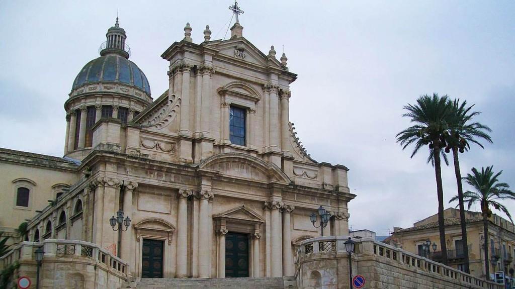 comiso_basilica_santa_maria_annunziata_visit_vigata_commissario_montalbano