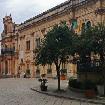 scicli_commissariato_polizia_vigata_visit_montalbano_commissario_francesco_mormino_penna
