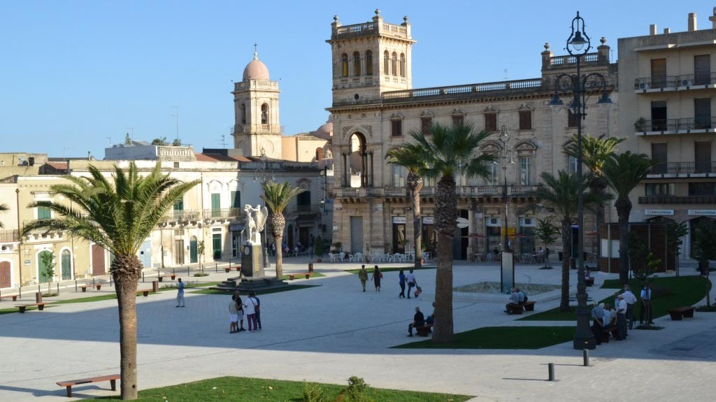 piazza_unità_italia_ispica_visit_vigata_commissario_montalbano