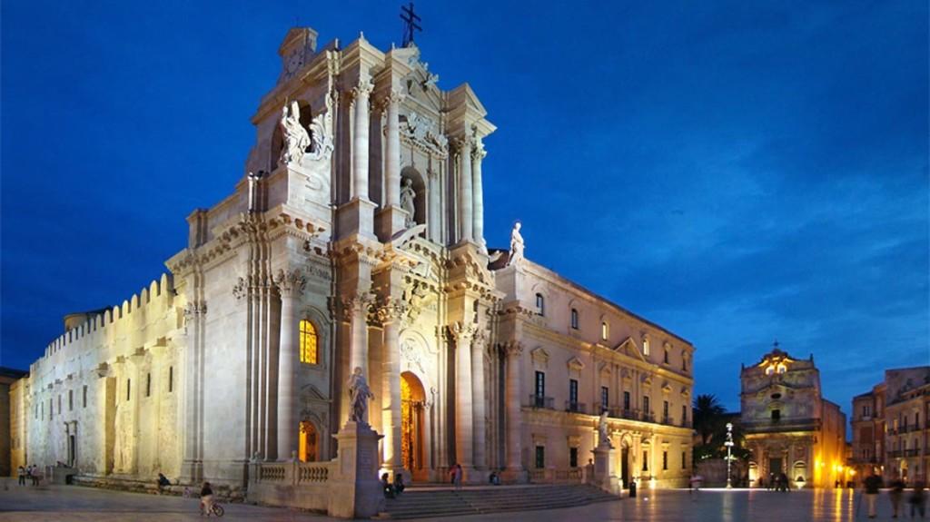 piazza_duomo_siracusa_visit_vigata_commissario_montalbano