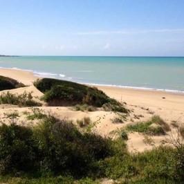 Spiaggia di Randello, una riserva in riva al mare