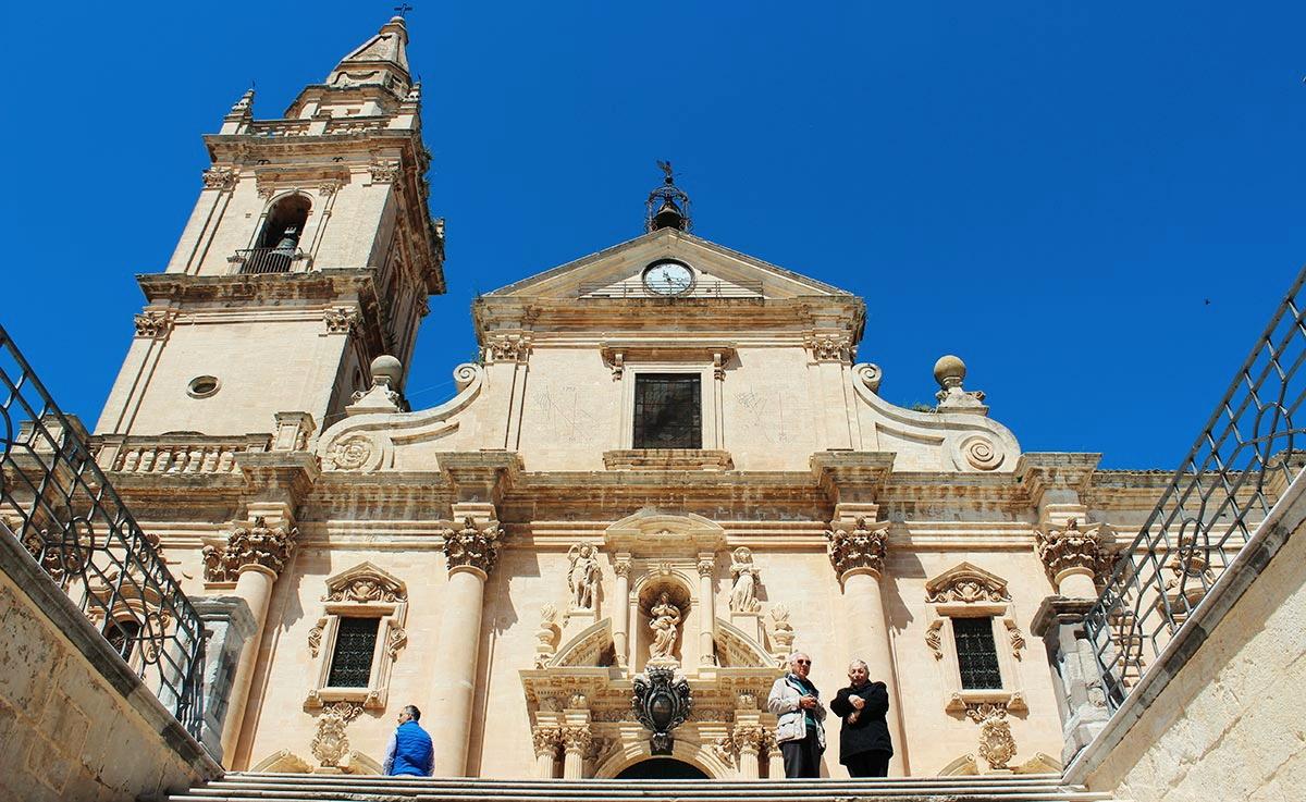 ragusa_cattedrale_san_giovanni_chiesa_barocco_barocca_scalinata