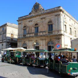Piazza Busacca e Chiesa del Carmine