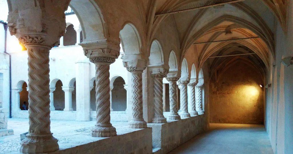 modica_chiostro_chiesa_convento_santa_maria_del_gesù