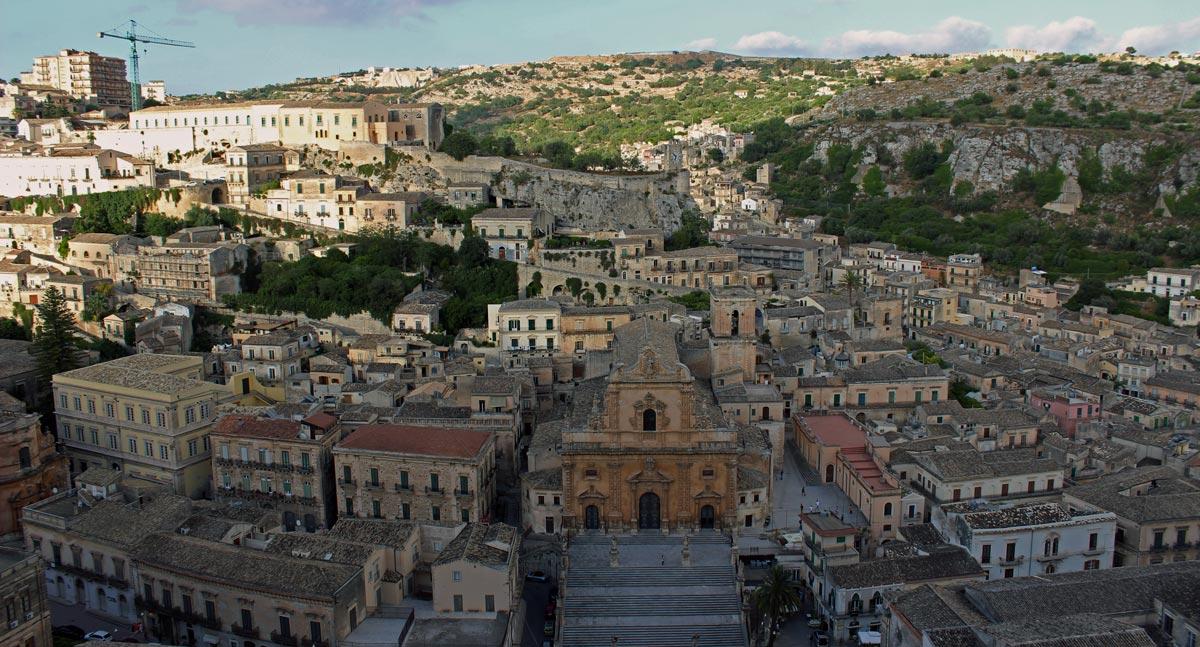 panoramica_modica_san_pietro_chiesa