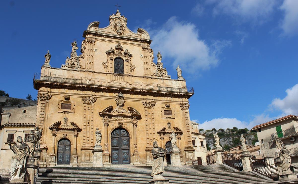 chiesa_san_pietro_modica_stretta
